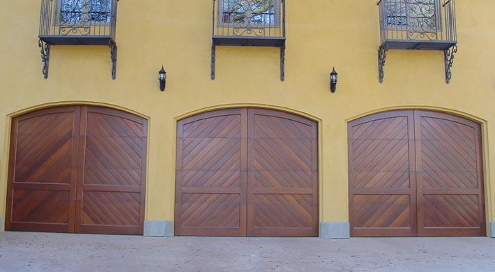 Carriage_House_Door